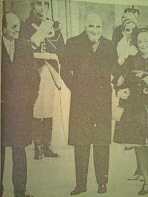 Visita de Luis EcheverrAi??a a ParAi??s en abril 1973