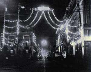 ai???La avenida de San Francisco iluminadaai???, CrA?nicaai??i?? 1911.