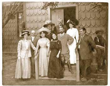 Madero con su esposa y Elena Arizmandi en la casa del cA?nsul alemA?n Weber en Ciudad JuA?rez, mayo 1911