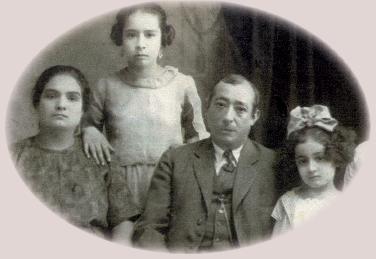 El abuelo JoaquAi??n con su familia en el Gran Hotel de QuerAi??taro