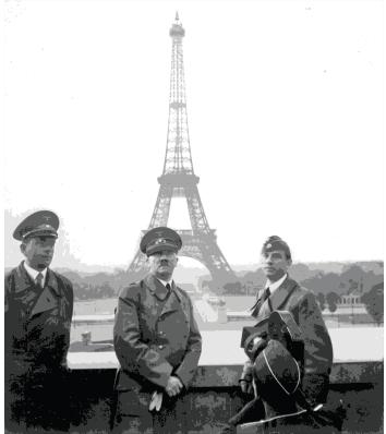 Albert Speer, Hitler y Arno Broker (der.) cuando ocuparon ParAi??s en 1940