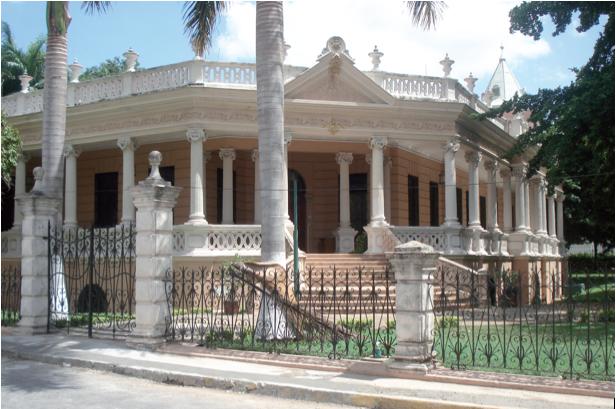 Residencia de la familia Regil de PeA?n, en el Paseo Montejo