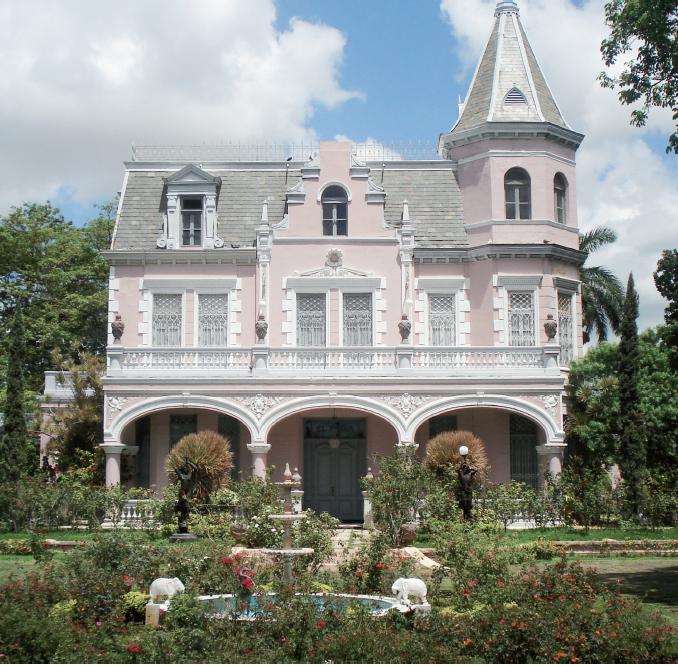 Residencia porfiriana El Pinar, en la calle 60