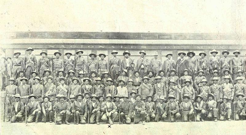 Fot. H. J. Gutierrez,Fuerzas revolucionarias de la DivisiA?n del Norte, La IlustraciA?n Semanal, 2 de noviembre de 1914. (800x439)