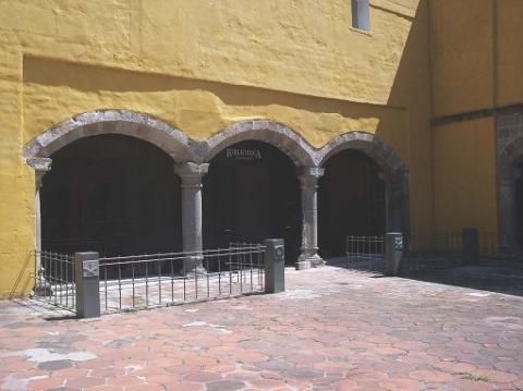 Más tamaños _ Biblioteca Franciscana _ Flickr_ ¡Intercambio de fotos!_Page_2 (480x359)