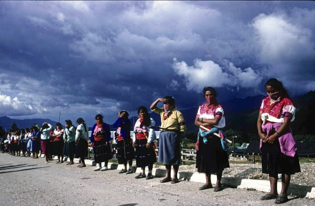 Mujeres zapatistas (640x418)