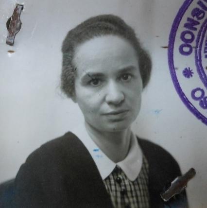 Marietta Blau Recorte