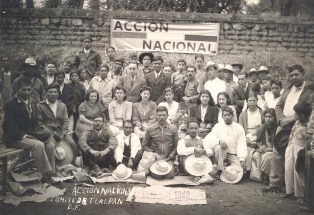 Comité en Tlalpan, 1942 (640x439)