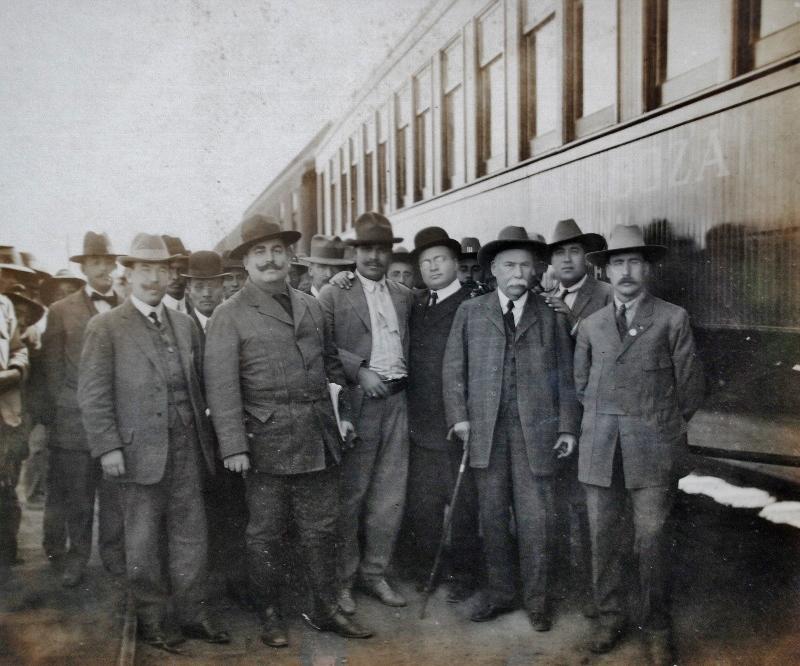 Los Aguirre Benavides, 1914 (800x666)
