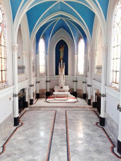 20 febrero 2015 013 Altar de la capilla vista desde el coro ca 2015 (480x640)