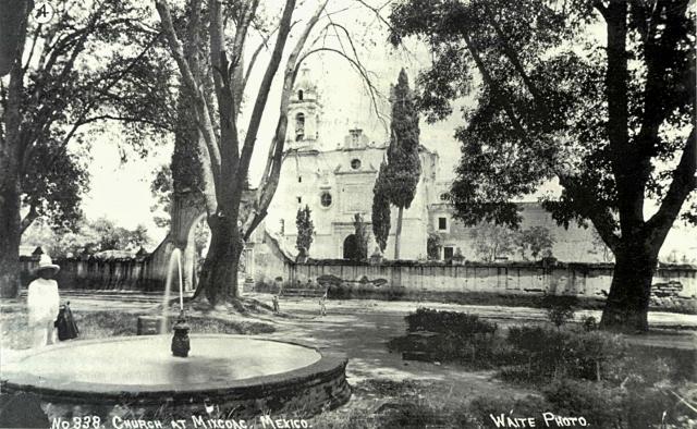 Iglesia en la plaza de San Juan (frente al Mora) (640x394)