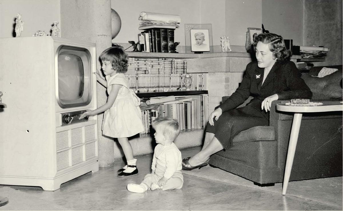 Madre_e_hijas_television