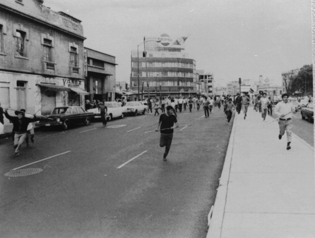 """3- """"Halcón"""", de la serie de la represión a estudiantes el Jueves de Corpus, Ciudad de México, 10 de junio de 1971"""