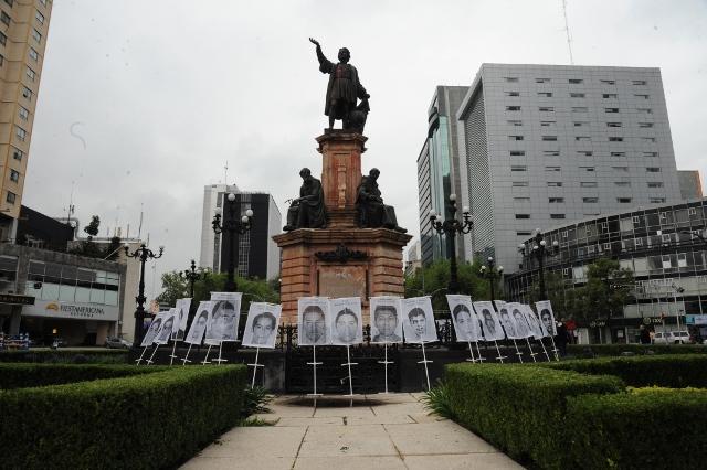 Marcha Aniversario Ayotzinapa 2 (640x426)