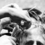 1152 Hombres cortan cabello a estudiante INAH SINAFO