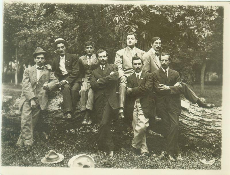 Guillermo y Benito Rousset Montoya exiliados en San Antonio Texas, mayo de 1911. Colección particular de la familia Rousset.