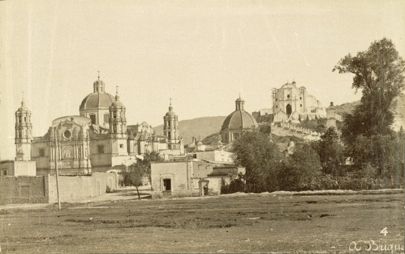 Abel Briquet, Village and Basilida of Guadalupe, fotografía estereoscópica, ca. 1875, Cornell University. Flickr Commons.