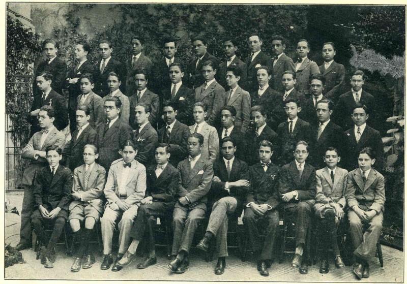 Alumnos de secundaria del Colegio Francés, 1928. Colección particular de Laura Suárez de la Torre.